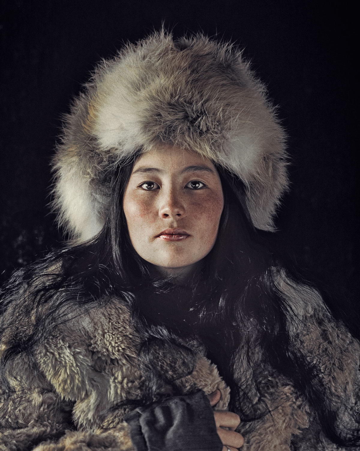 Photography - Jimmy Nelson, fur hat