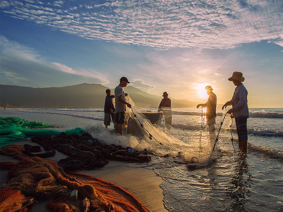 Tumblr - fishing-net-beach-vietnam_83585_990x742